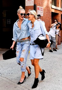 denim-streetstyle-fashion-trend-2015-skirt-shirt-dress-jeans-look-summer-spring-street-style-22