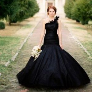 gothic-wedding-dress