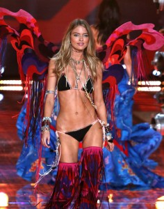 51904978 Celebrities at the 2015 Victoria's Secret Fashion Show at Lexington Avenue Armory in New York City, New York on November 10, 2015. Celebrities at the 2015 Victoria's Secret Fashion Show at Lexington Avenue Armory in New York City, New York on November 10, 2015. Pictured: Martha Hunt FameFlynet, Inc - Beverly Hills, CA, USA - +1 (818) 307-4813