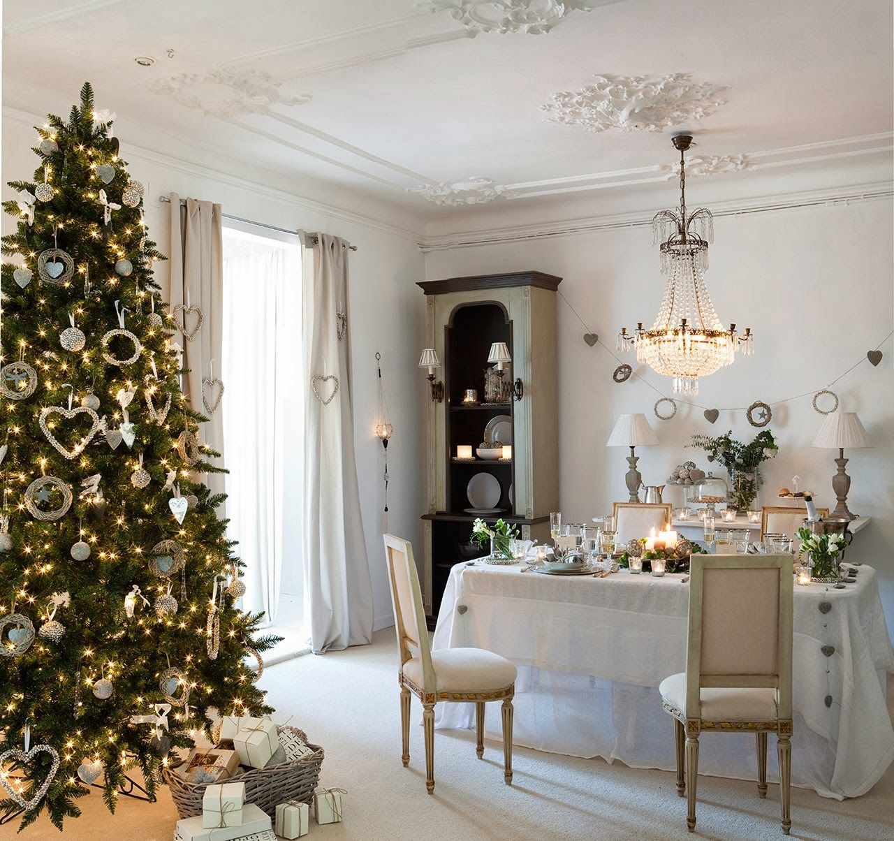 08a41__dining-room-christmas-tree-decoration-ideas