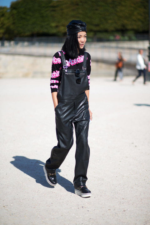 54bc23e95e6d4_-_hbz-overalls-2-pfw-ss2015-street-style-day3-13-lg
