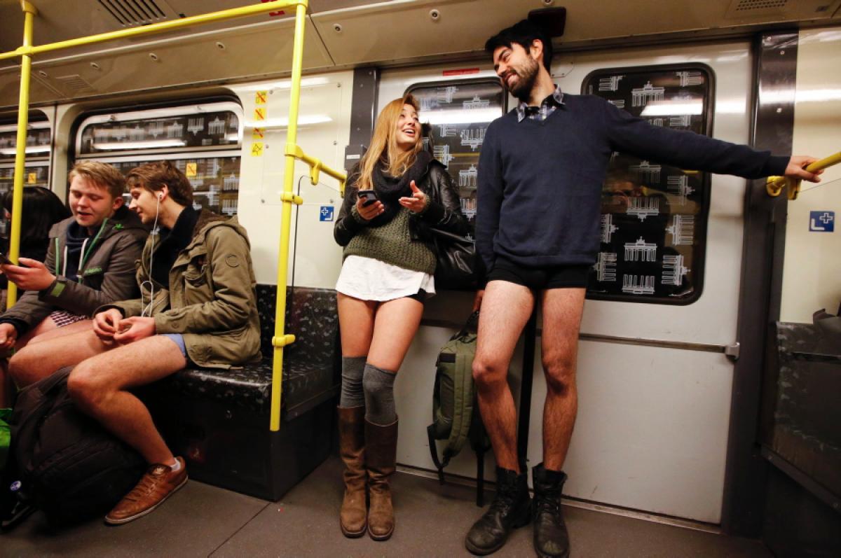 No-Pants-Subway-Ride-2014-Berlin-07